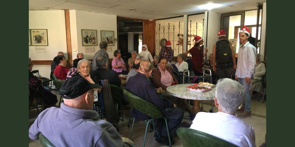 Actividad en Comunidad - Visita al Hogar de las Hermanitas de los Pobres - Viernes 21 de diciembre 2018